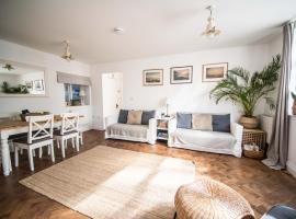 Flat 1 Teneriffe, villa in Lyme Regis