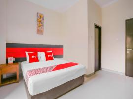 OYO 4012 Ari Beach Inn, hotel in Kuta