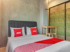 OYO 90305 De Umbrela Mansion, hotel near Arthayasa Stables, Tangerang