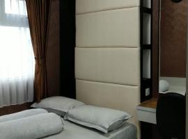 Apartment 2BR Green Pramuka, hotel in Jakarta