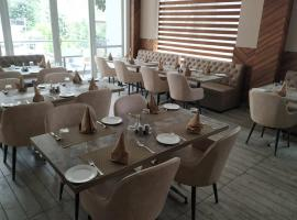 Hotel Shivaay Marriott、ダラムシャーラーのホテル