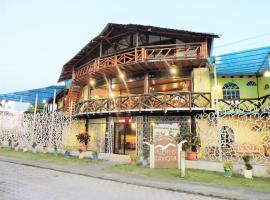 Hotel Puerto Gaviota, hotel em Tonsupa
