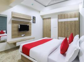 HOTEL SIGNOR PALACE, hotel near Sardar Vallabhbhai Patel International Airport - AMD, Ahmedabad