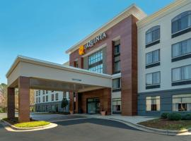 La Quinta by Wyndham Raleigh Downtown North, hotel in Raleigh