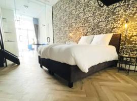 Royal Koetshuis New in Stadsvilla, apartment in Tilburg