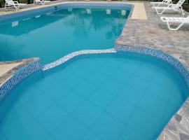 Monte Amazonico Lodge, hotel with pools in Tambopata