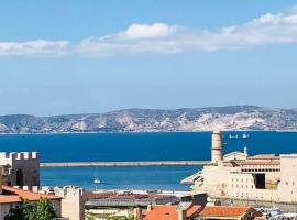 Studio vue mer dans le quartier de saint Victor, pet-friendly hotel in Marseille