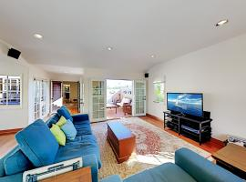 Outdoor Kitchen & Firepit - Walk to Beach! home, vacation rental in Long Beach