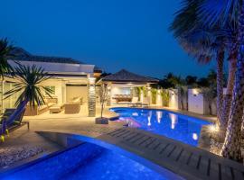 Orchid Paradise Homes Villa, hotel in Hua Hin