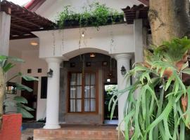 OMAH LUMUT Malang, Best Villa 3 Bedrooms Free Pool Kolam Renang, villa in Malang