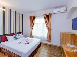 G8 AIRPORT HOTEL, hotel near Tan Son Nhat International Airport - SGN, Ho Chi Minh City