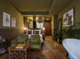 Communal Hotel Plekhanovi, hotel near Queen Tamar Bridge, Tbilisi City