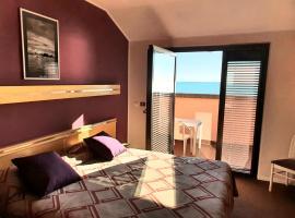 Hotel Antares, hotel in Grado