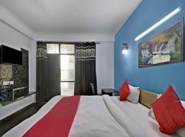 OYO 77119 Shiv Shakti Residency, hotel in Noida