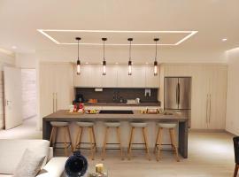 1st Luxury Warehouse, hotel near Cancún International Airport - CUN,