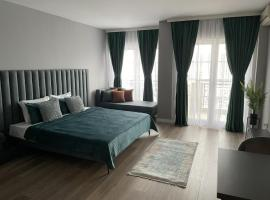 Downtown Apartments, hotel in Pristina