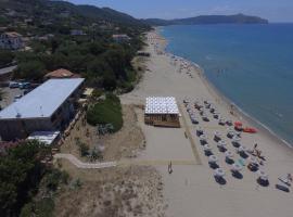 Residence Le Palme - Appartamenti sul mare - Spiaggia tra Palinuro e Caprioli, apartment in Pisciotta