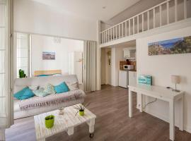 Superb apartment in the center, hotel in Marseille