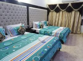 White Fort Guest House, hotel in Karachi