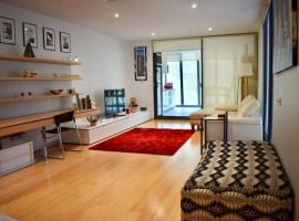 Spacious Apartment in the Heart of Melbourne's CBD, apartment in Melbourne