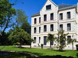Demeure Saint Louis, vue cité, WIFI FIBRE, Clim, Parking privé, hôtel à Carcassonne