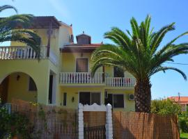 Makis & Bill Apartments, hotel in Arillas
