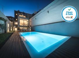 Bom Jardim Apartments, hotel with pools in Porto