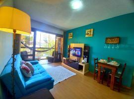 Apartamento Completo no Centro São Leopoldo com Sacada Net Wi-Fi, room in São Leopoldo