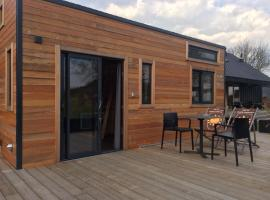 Tiny House Vert Autre Chose, self catering accommodation in Mouscron