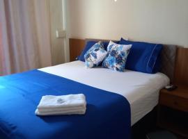 Quartos Em Casa Caxias - Pousada Paraíso, hotel near Outlet Premium Rio de Janeiro, Duque de Caxias