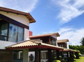 Casa frente mar com vista incrível!, family hotel in Vera Cruz de Itaparica