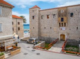 Heritage Villa Vitturi Sea View, holiday home in Kaštela