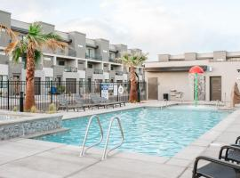 19 - Vue at Green Valley with Community Pool, villa in St. George