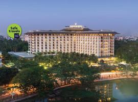 Chatrium Hotel Royal Lake Yangon, hotel in Yangon