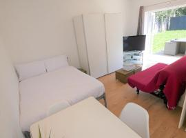Turay Court Holiday House, apartment in Bournemouth