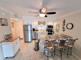 Anglers Cove G Five Zero Five 27837, holiday home in Marco Island