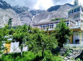 Tourist Cottage Hunza, hotel in Hunza