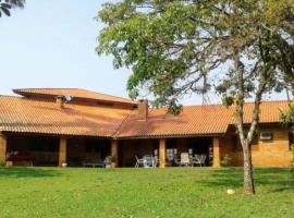 Chácara linda com wi-fi e lazer completo em Itu, hotel com piscina em Itu