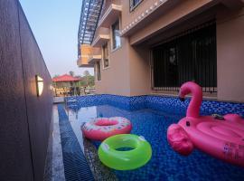 BLICK VILLA Lonavala - Having A Private Exclusive Swimming Pool, villa in Pune