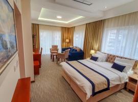 Hotel Montenegrino, отель в Тивате