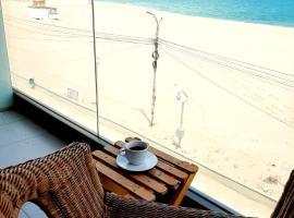Vila Ryanna Beach, bed & breakfast a Eforie Nord