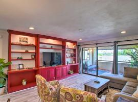 Scottsdale Condo with Pool, 1 Mi to Old Town!, apartment in Scottsdale