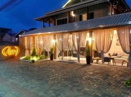 Hotel Lorimar, hotel in Penha