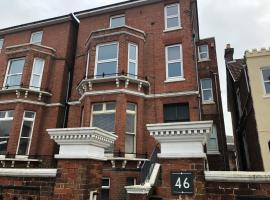 Perfect for the Beach & Seafront, apartment in Portsmouth