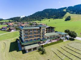 Harmony Hotel Harfenwirt, hotel in Niederau