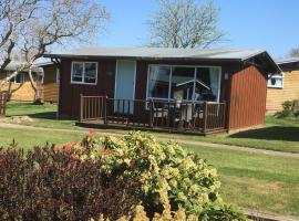 Chalet Thirty Two, self catering accommodation in Seaton