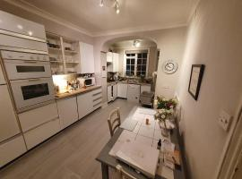 Wonderful cosy home in the heart of Chelsea, Privatzimmer in London