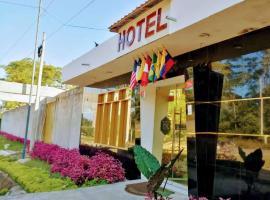 Embassy Suites Hotel, hotel in Nauta