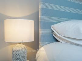 Stopover at ORCHARD APARTMENT light and cosy, hotel near Fratton Park, Portsmouth