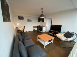 Brussels By Night panoramic studio apartment for 2, hotel in Brussels